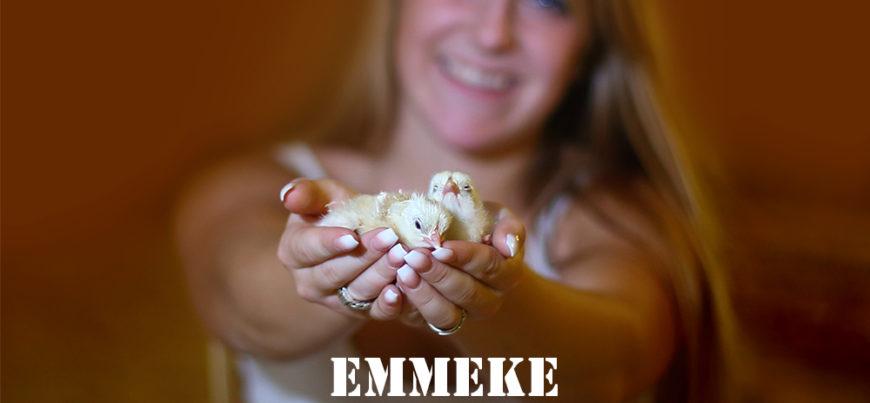Emmeke een jonge vleeskuikenhoudster